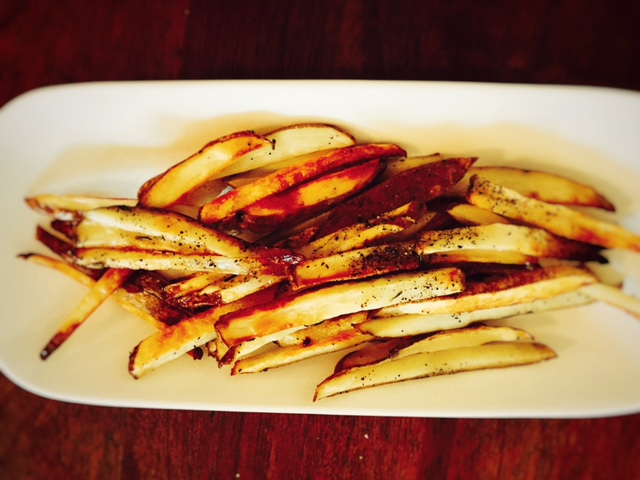 sea-salt-and-rosemary-french-fries-4